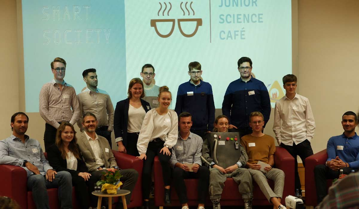 junior science cafe- meeting with young people